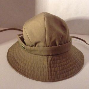 LACOSTE - tan bucket style hat